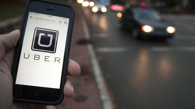 Pese a reducción de tarifas, viajes e ingresos aumentan: Uber